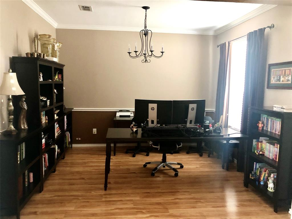 2509 Mustang  Drive, Arlington, Texas 76001 - acquisto real estaet best boutique real estate firm in texas for high net worth sellers