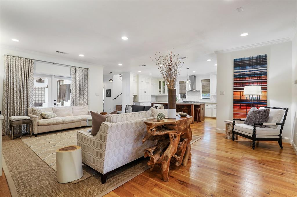 560 Northlake  Drive, Dallas, Texas 75218 - acquisto real estate best new home sales realtor linda miller executor real estate