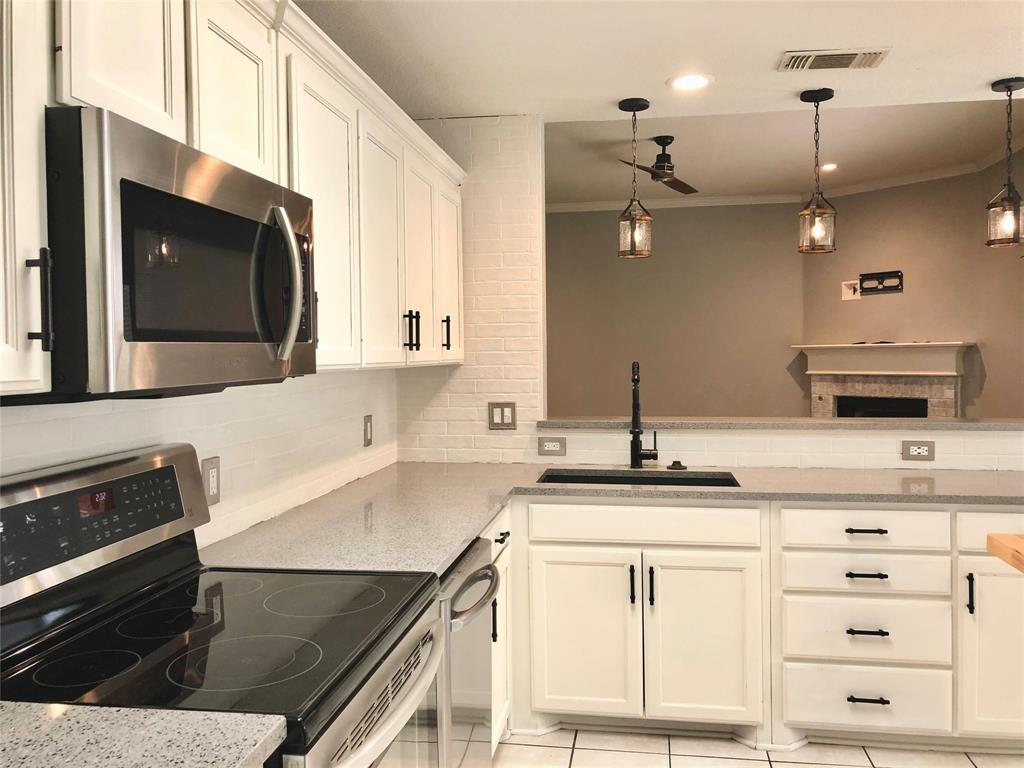 1708 Brittany  Lane, Mansfield, Texas 76063 - acquisto real estate best new home sales realtor linda miller executor real estate