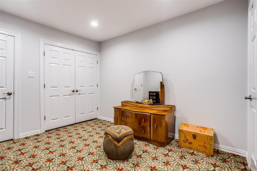 2862 Duval Drive, Dallas, Texas 75211 - acquisto real estate best negotiating realtor linda miller declutter realtor