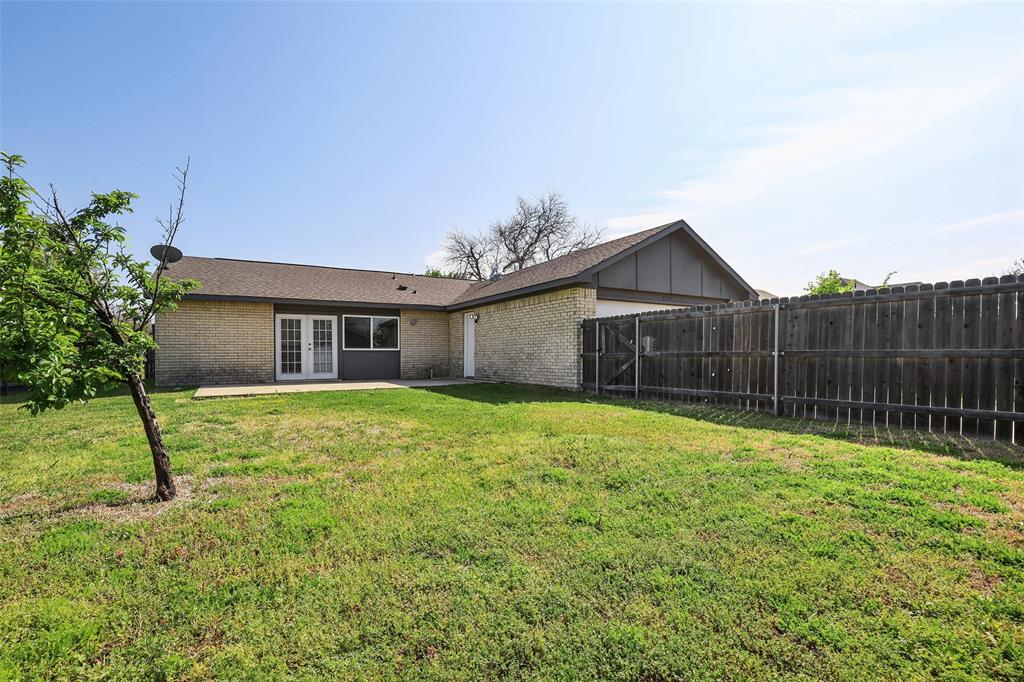 8105 Woodside  Road, Rowlett, Texas 75088 - acquisto real estate best realtor foreclosure real estate mike shepeherd walnut grove realtor