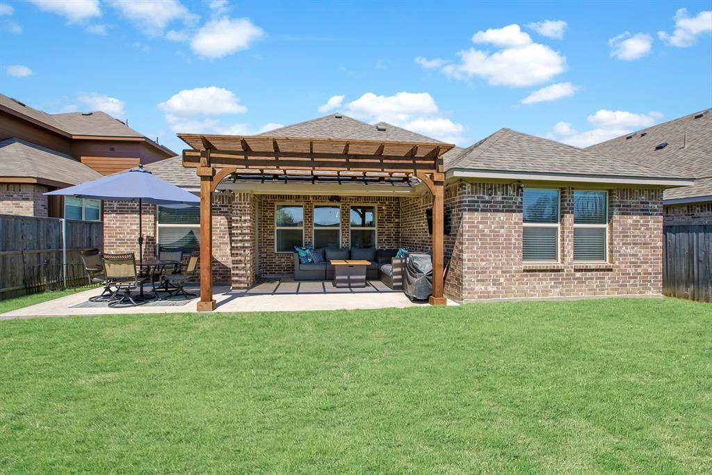 3920 Madison Lane, Denton, Texas 76208 - acquisto real estate best prosper realtor susan cancemi windfarms realtor