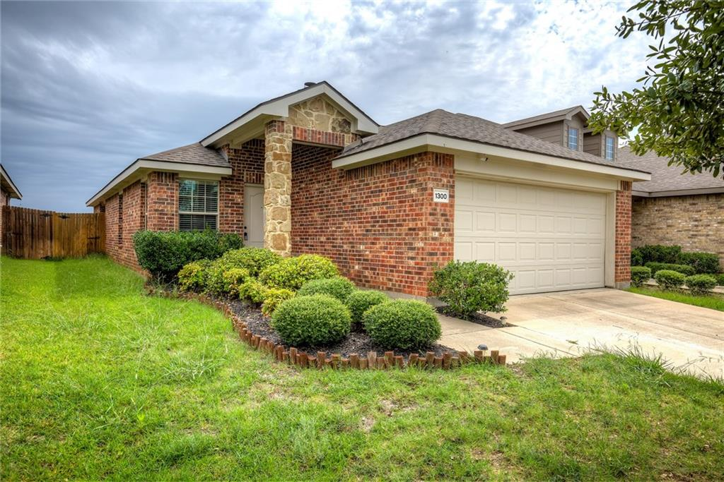 1300 Silver Maple Lane, Royse City, Texas 75189 - Acquisto Real Estate best plano realtor mike Shepherd home owners association expert