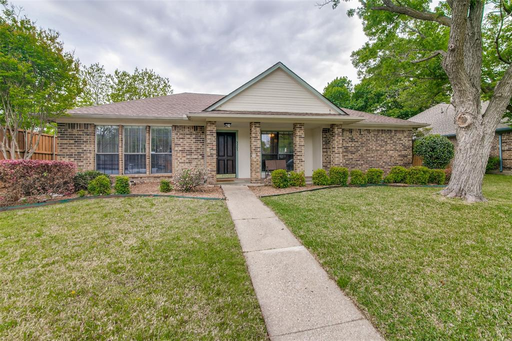 3205 Meadowood  Drive, Garland, Texas 75040 - Acquisto Real Estate best plano realtor mike Shepherd home owners association expert