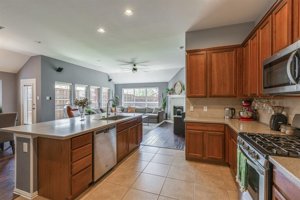 2860 Evening Mist Drive, Little Elm, Texas 75068 - acquisto real estate best style realtor kim miller best real estate reviews dfw