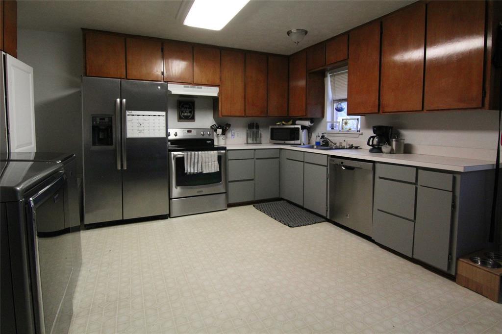 1013 Black  Street, Hurst, Texas 76053 - acquisto real estate best prosper realtor susan cancemi windfarms realtor