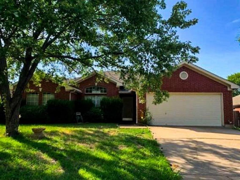 1715 Crestmeadow  Lane, Mansfield, Texas 76063 - Acquisto Real Estate best plano realtor mike Shepherd home owners association expert