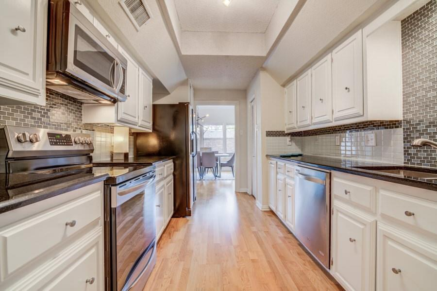 6826 Northwest  Highway, Dallas, Texas 75231 - acquisto real estate best real estate company to work for