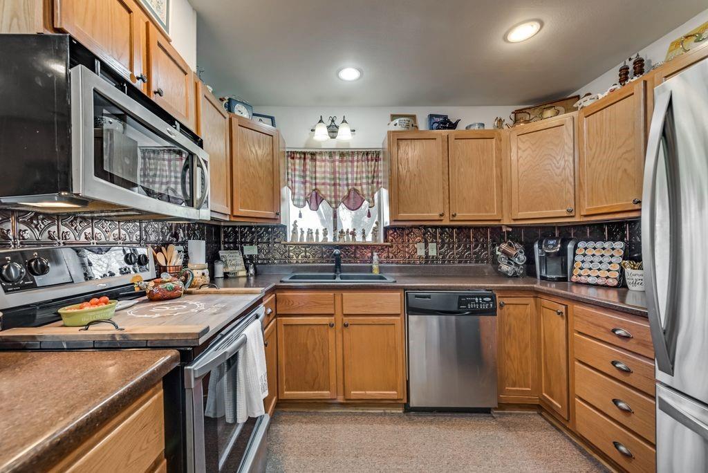221 Laurel Lane, Fairfield, Texas 75840 - acquisto real estate best photos for luxury listings amy gasperini quick sale real estate