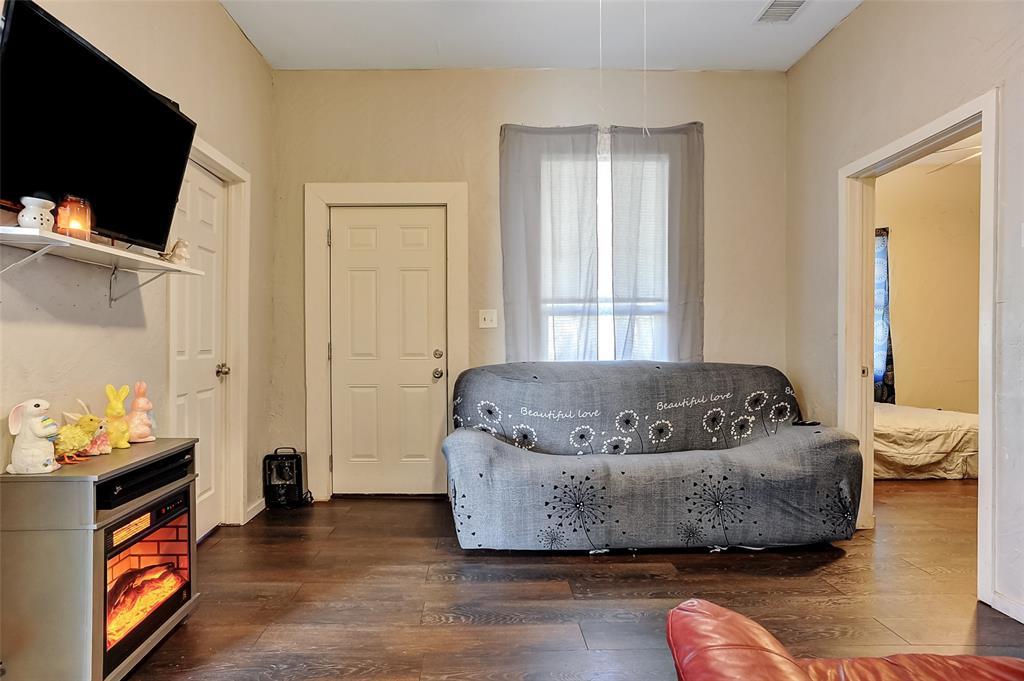 710 Scullin Avenue, Denison, Texas 75020 - acquisto real estate best real estate company to work for
