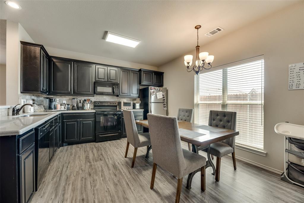 1016 Skyview  Court, Midlothian, Texas 76065 - acquisto real estate best style realtor kim miller best real estate reviews dfw