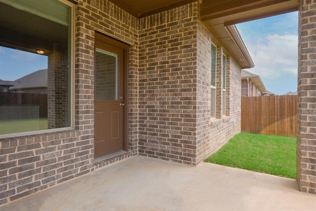 1713 Spinnaker Drive, Denton, Texas 76210 - acquisto real estate best realtor westlake susan cancemi kind realtor of the year