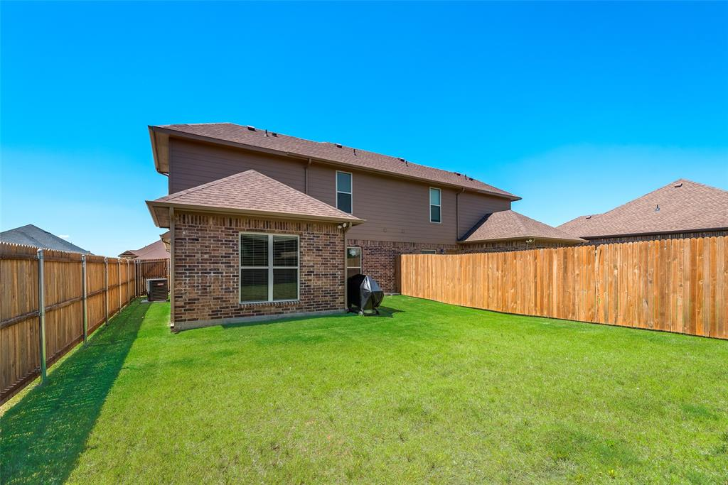 1016 Skyview  Court, Midlothian, Texas 76065 - acquisto real estate best park cities realtor kim miller best staging agent