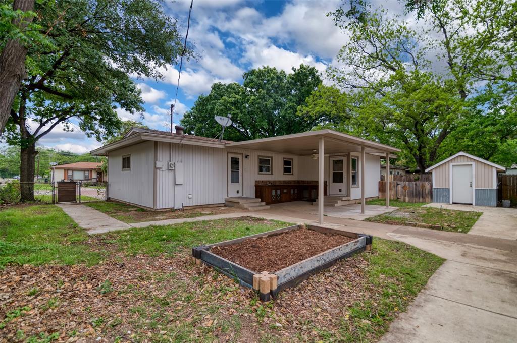 500 Ellen  Avenue, Hurst, Texas 76053 - acquisto real estate best negotiating realtor linda miller declutter realtor