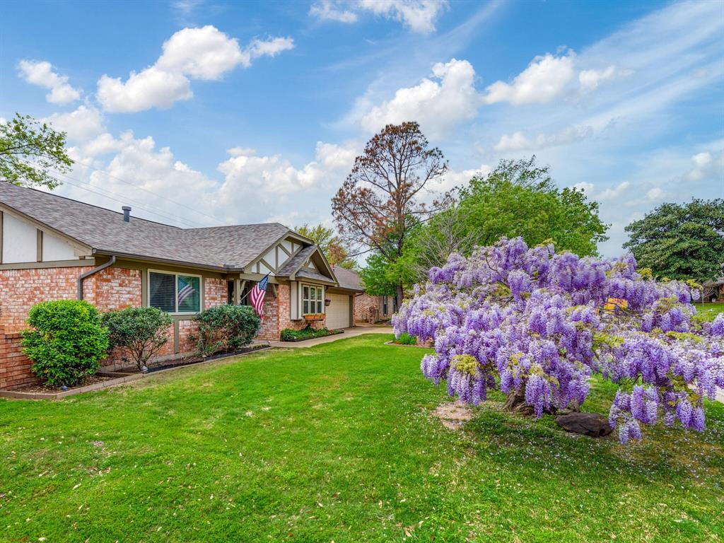 425 Mountainview Drive, Hurst, Texas 76054 - acquisto real estate best looking realtor in america shana acquisto