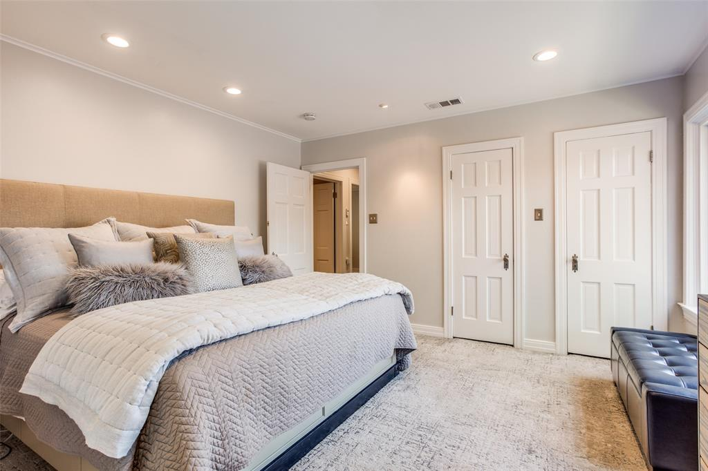 2862 Duval Drive, Dallas, Texas 75211 - acquisto real estate best realtor foreclosure real estate mike shepeherd walnut grove realtor