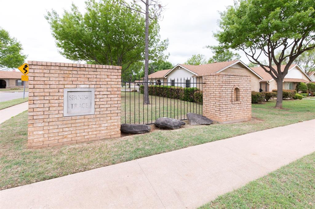 4615 Spanish  Trace, Wichita Falls, Texas 76310 - Acquisto Real Estate best plano realtor mike Shepherd home owners association expert