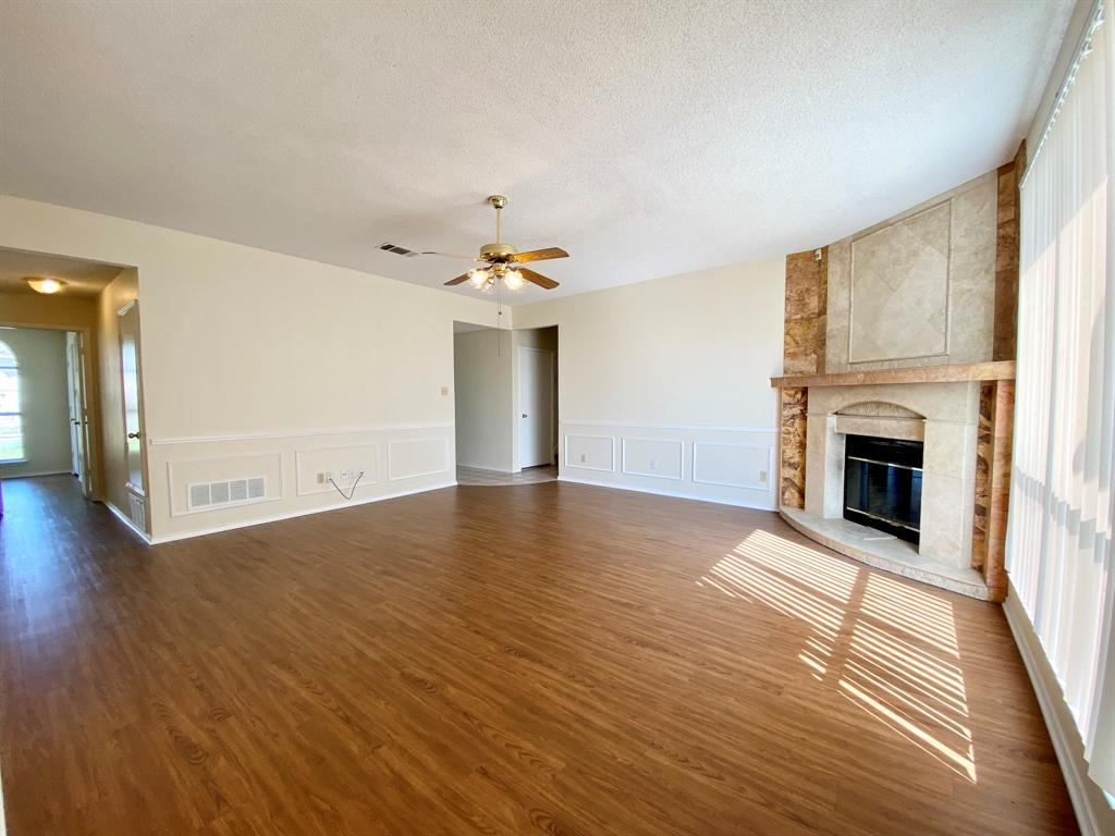 8804 Crestbrook Drive, Fort Worth, Texas 76179 - acquisto real estate best the colony realtor linda miller the bridges real estate