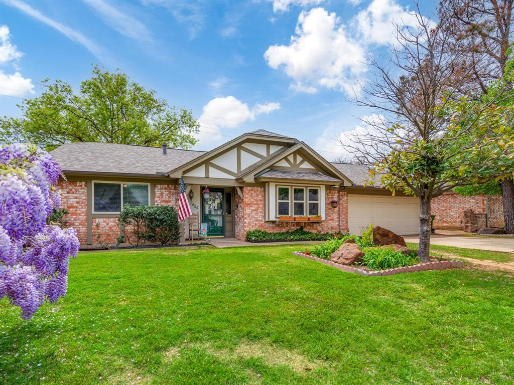 425 Mountainview Drive, Hurst, Texas 76054 - Acquisto Real Estate best plano realtor mike Shepherd home owners association expert