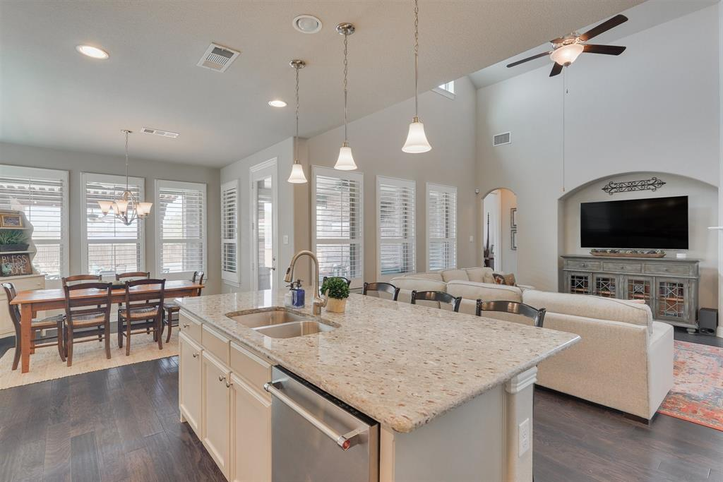 4434 Vineyard Creek Drive, Grapevine, Texas 76051 - acquisto real estate best listing agent in the nation shana acquisto estate realtor