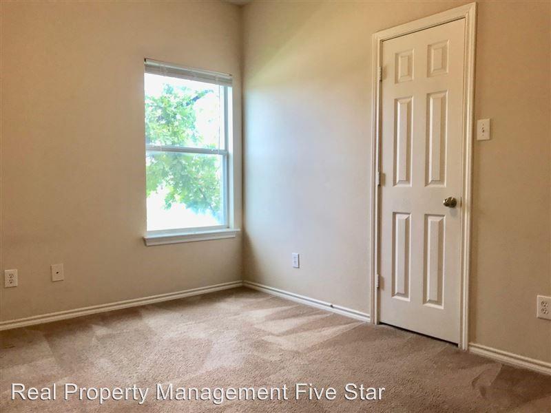 5100 Brookside Drive, Denton, Texas 76226 - acquisto real estate best designer and realtor hannah ewing kind realtor