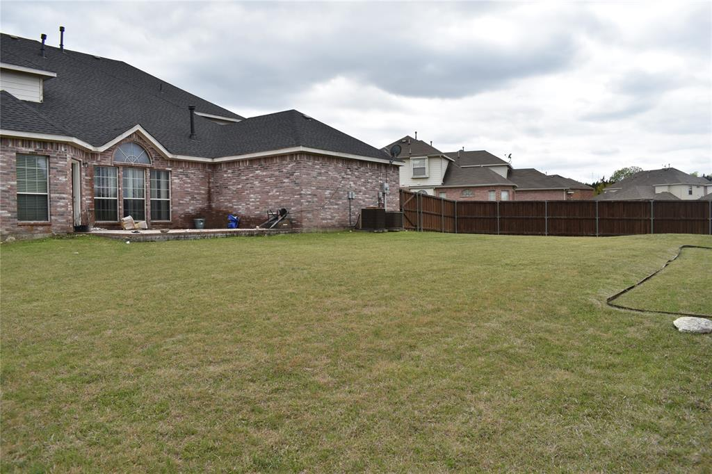 1701 Wylie Creek Drive, DeSoto, Texas 75115 - acquisto real estate best plano real estate agent mike shepherd
