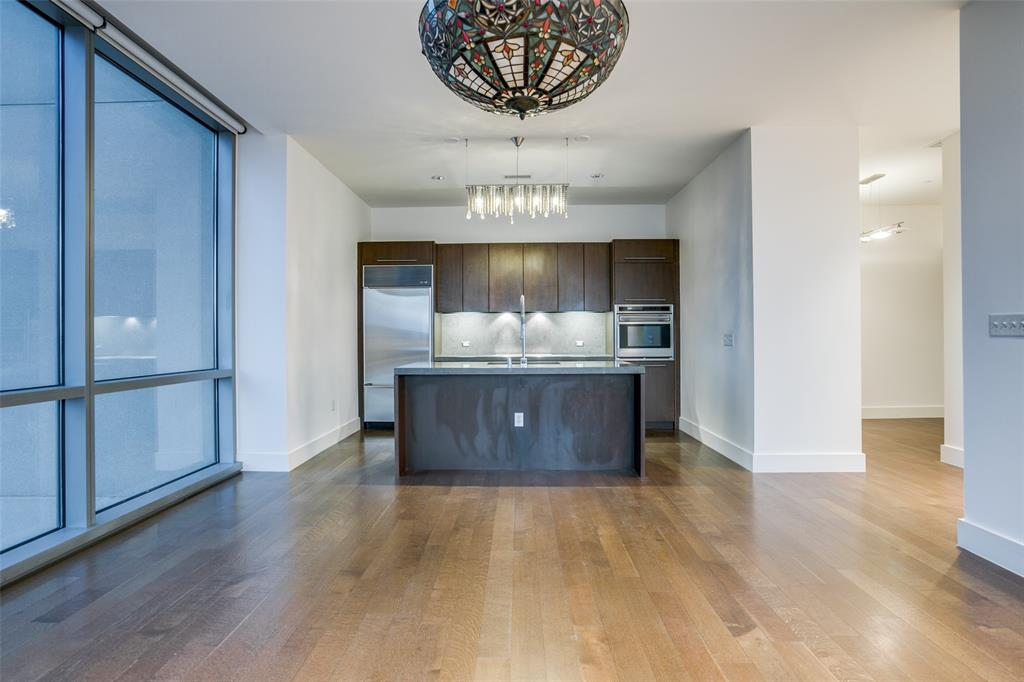 2200 Victory  Avenue, Dallas, Texas 75219 - Acquisto Real Estate best plano realtor mike Shepherd home owners association expert