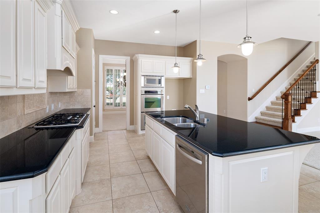 935 Pine Burst  Drive, Allen, Texas 75013 - acquisto real estate best listing listing agent in texas shana acquisto rich person realtor