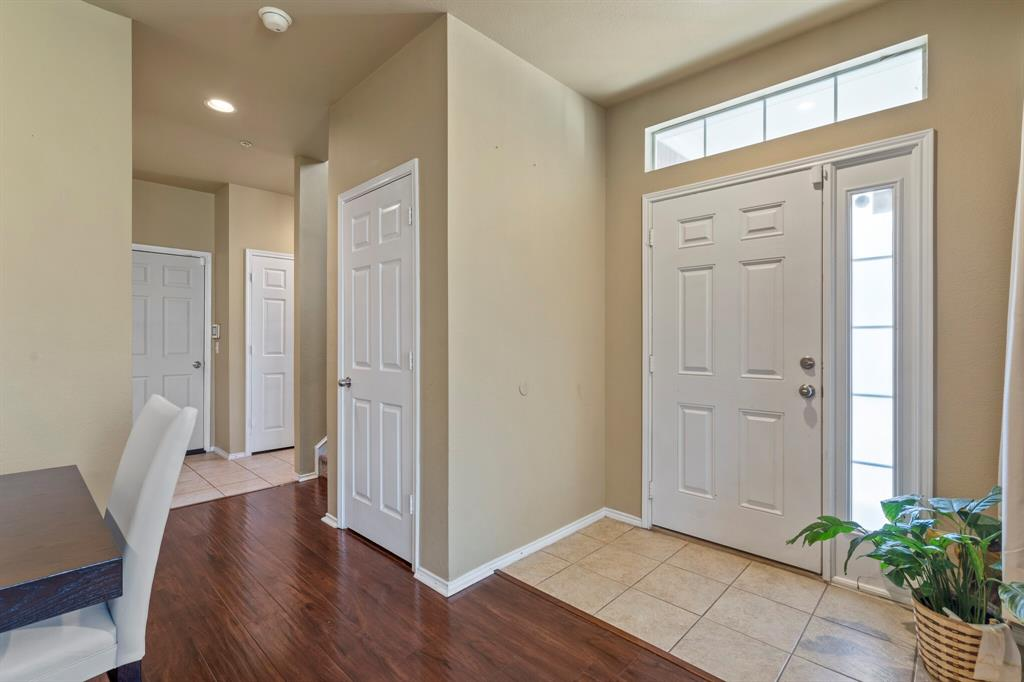 2212 Stoneleigh Place, McKinney, Texas 75071 - acquisto real estate best realtor foreclosure real estate mike shepeherd walnut grove realtor
