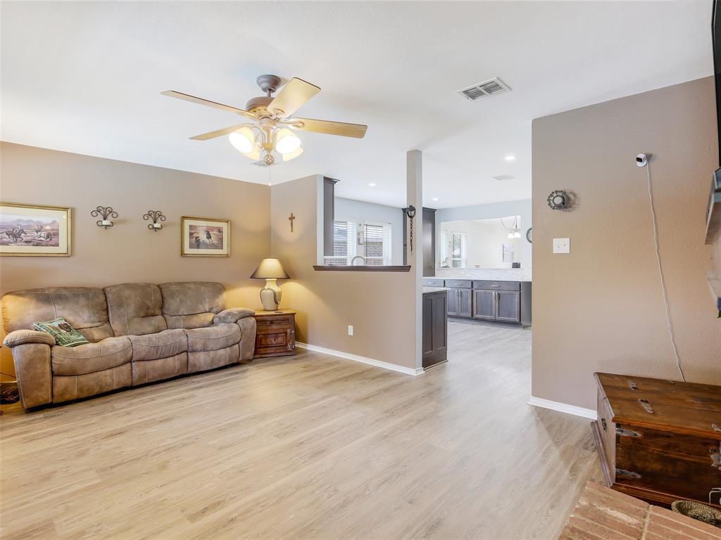 2516 Red Oak  Drive, Little Elm, Texas 75068 - acquisto real estate best designer and realtor hannah ewing kind realtor