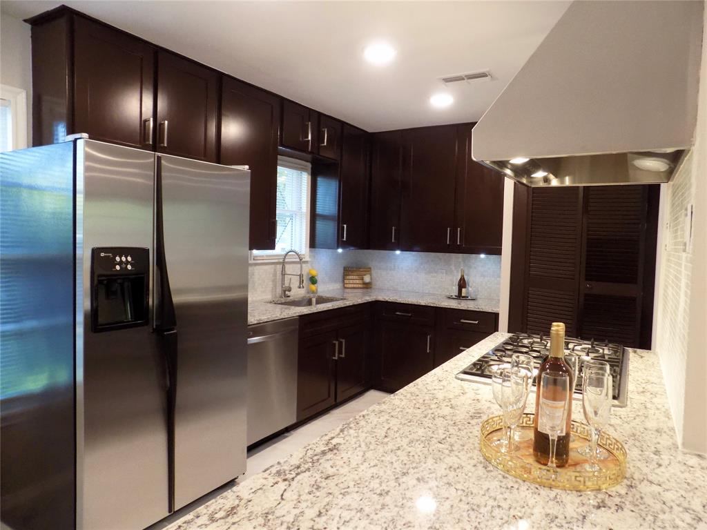 2730 Tisinger  Avenue, Dallas, Texas 75228 - acquisto real estate best style realtor kim miller best real estate reviews dfw