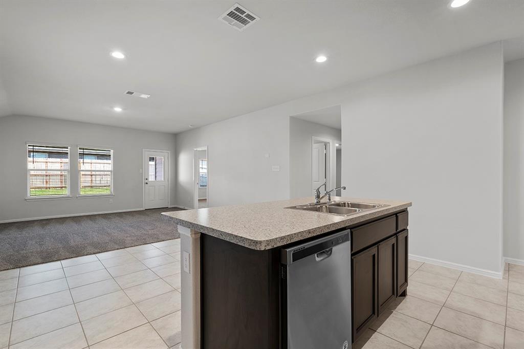 9324 HERRINGBONE  Drive, Fort Worth, Texas 76131 - acquisto real estate best highland park realtor amy gasperini fast real estate service