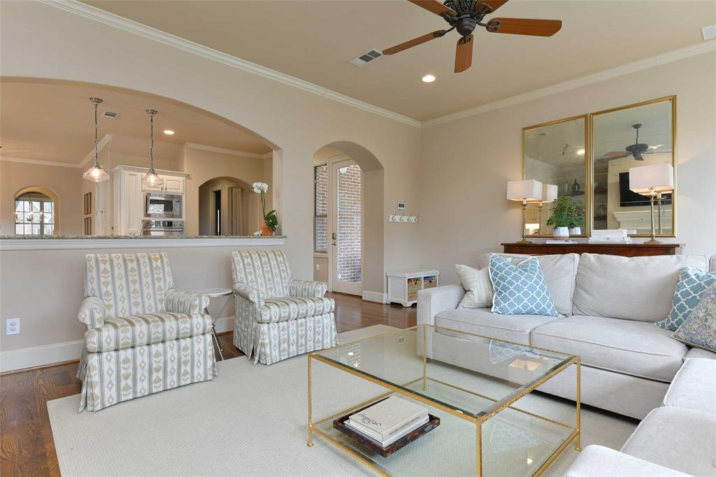 5226 Ridgedale  Avenue, Dallas, Texas 75206 - acquisto real estate best photos for luxury listings amy gasperini quick sale real estate