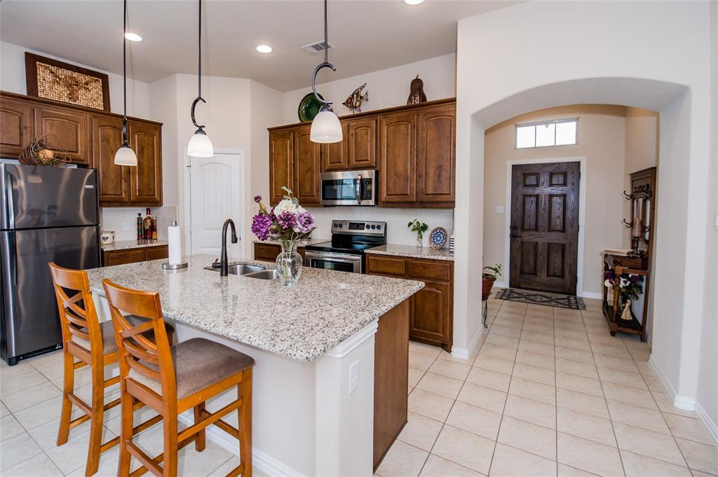 1604 Pacific Avenue, Ennis, Texas 75119 - acquisto real estate best celina realtor logan lawrence best dressed realtor