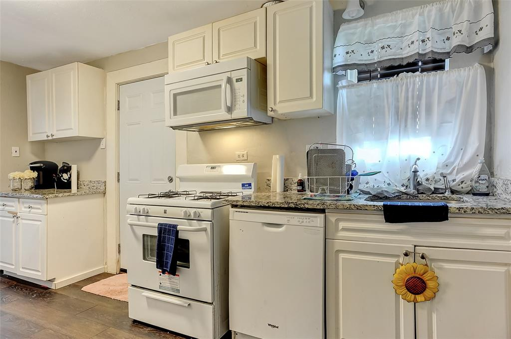 710 Scullin Avenue, Denison, Texas 75020 - acquisto real estate best listing agent in the nation shana acquisto estate realtor