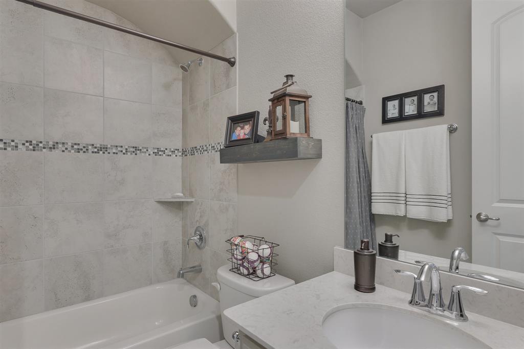 4434 Vineyard Creek Drive, Grapevine, Texas 76051 - acquisto real estate best realtor dfw jody daley liberty high school realtor