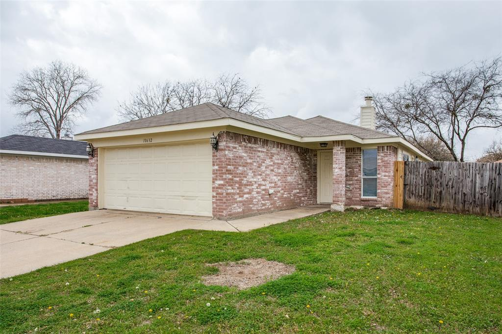 10632 Shadywood  Drive, Fort Worth, Texas 76140 - Acquisto Real Estate best plano realtor mike Shepherd home owners association expert