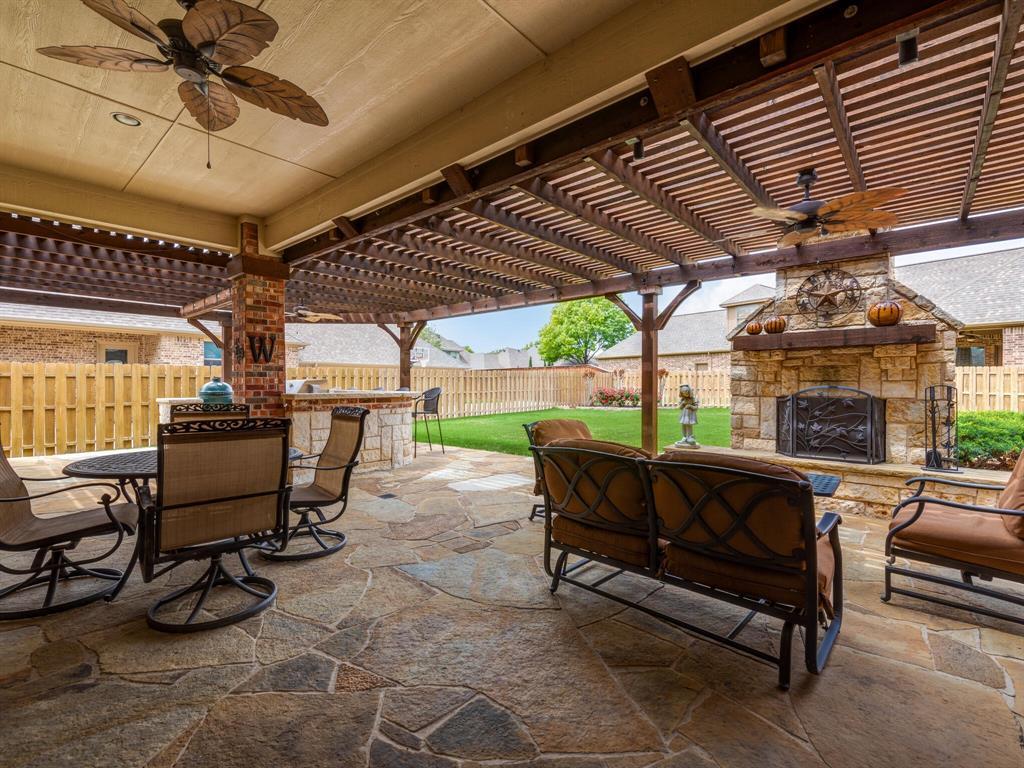 8309 Valley Oaks  Drive, North Richland Hills, Texas 76182 - acquisto real estate best allen realtor kim miller hunters creek expert