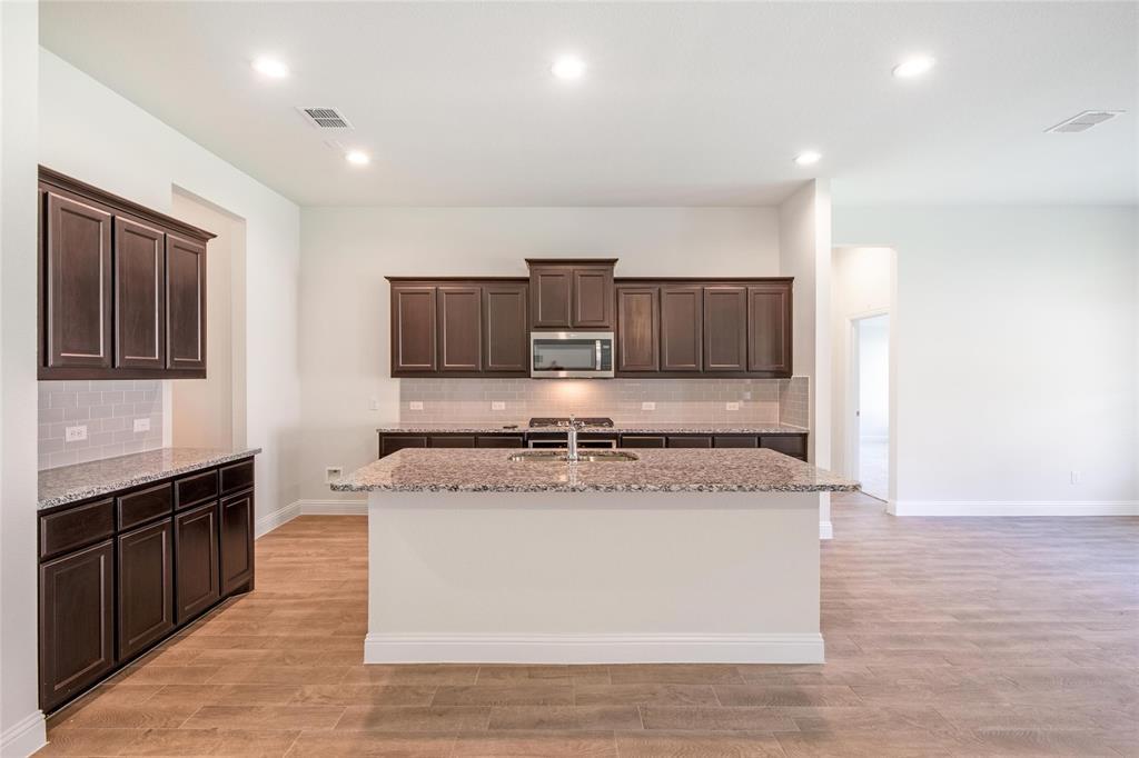 628 Soaring Star  Aledo, Texas 76008 - acquisto real estate best new home sales realtor linda miller executor real estate