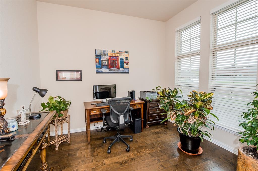 1604 Pacific Avenue, Ennis, Texas 75119 - acquisto real estate best the colony realtor linda miller the bridges real estate
