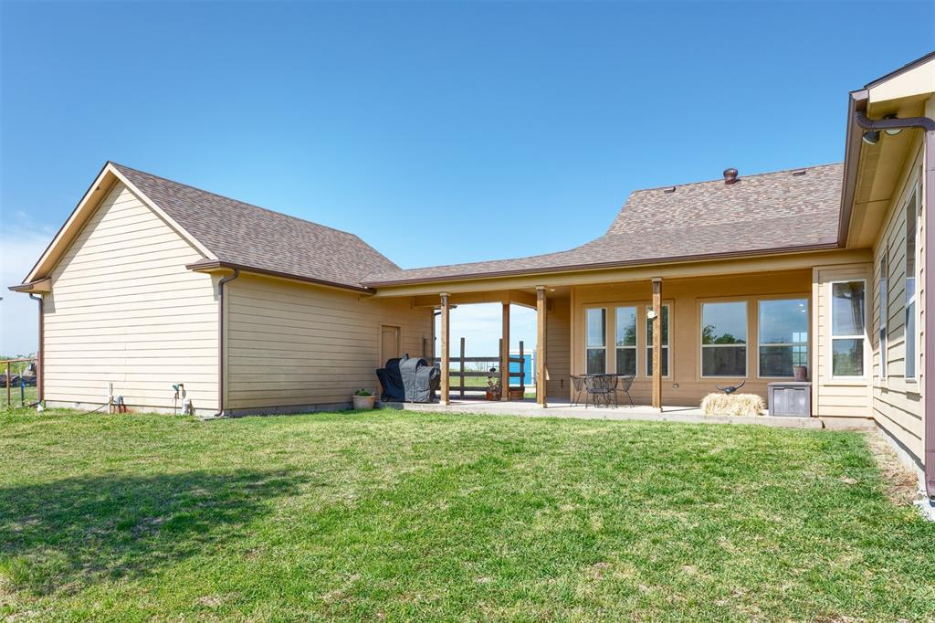 252 Emberson Ranch  Road, Pilot Point, Texas 76258 - acquisto real estate best park cities realtor kim miller best staging agent