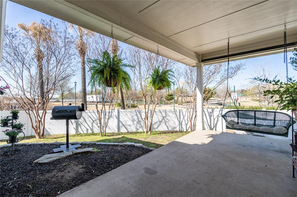 1700 Azalea Drive, Savannah, Texas 76227 - acquisto real estate mvp award real estate logan lawrence
