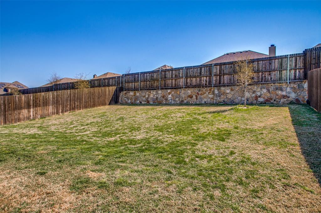 1975 Bernard Drive, Princeton, Texas 75407 - acquisto real estate best realtor foreclosure real estate mike shepeherd walnut grove realtor