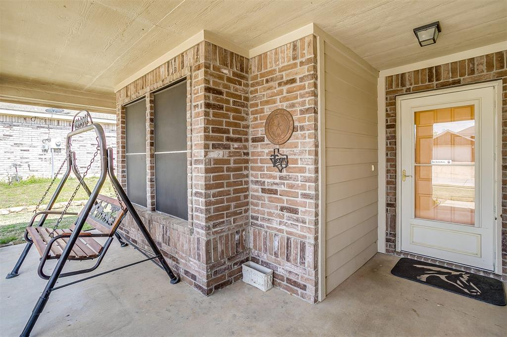 2529 Castle Pines Drive, Burleson, Texas 76028 - acquisto real estate best the colony realtor linda miller the bridges real estate