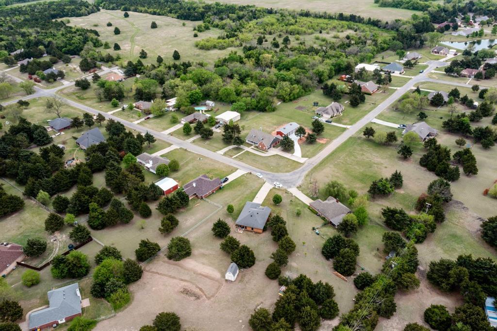 2705 Cedar  Park, Sherman, Texas 75090 - acquisto real estate best negotiating realtor linda miller declutter realtor