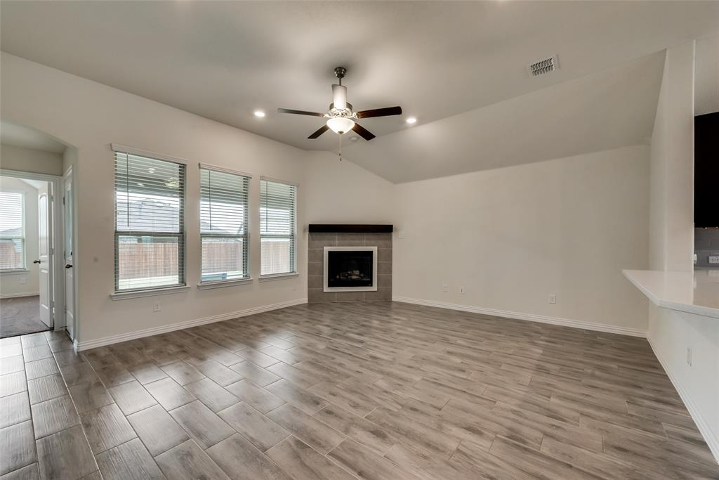 9244 Silver Dollar  Drive, Fort Worth, Texas 76131 - acquisto real estate best the colony realtor linda miller the bridges real estate