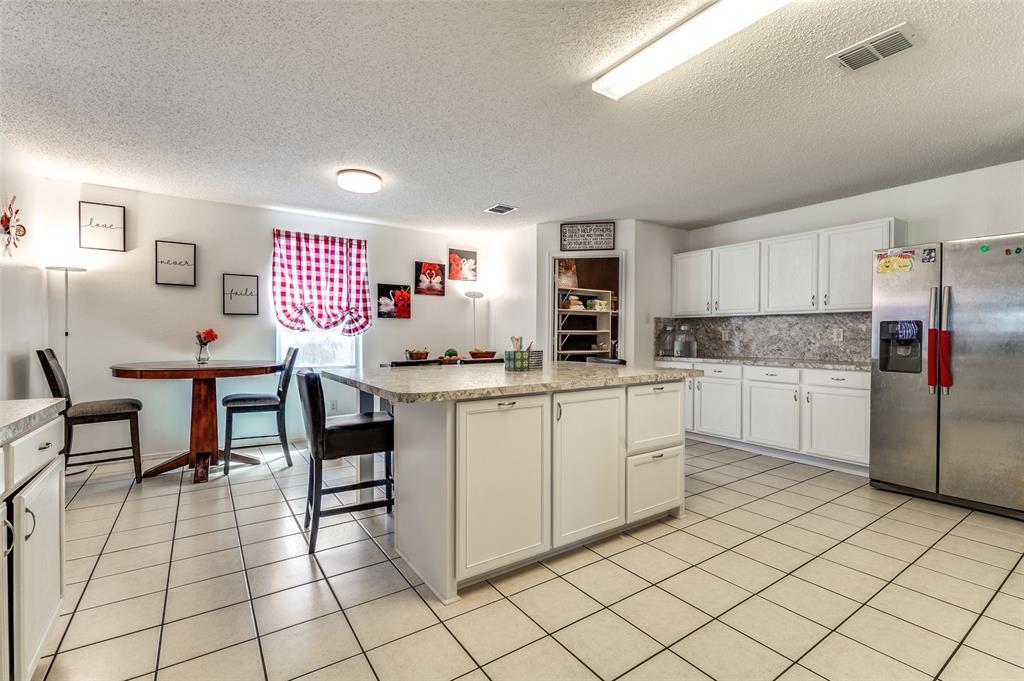 601 Jagera  Way, Arlington, Texas 76002 - acquisto real estate best highland park realtor amy gasperini fast real estate service