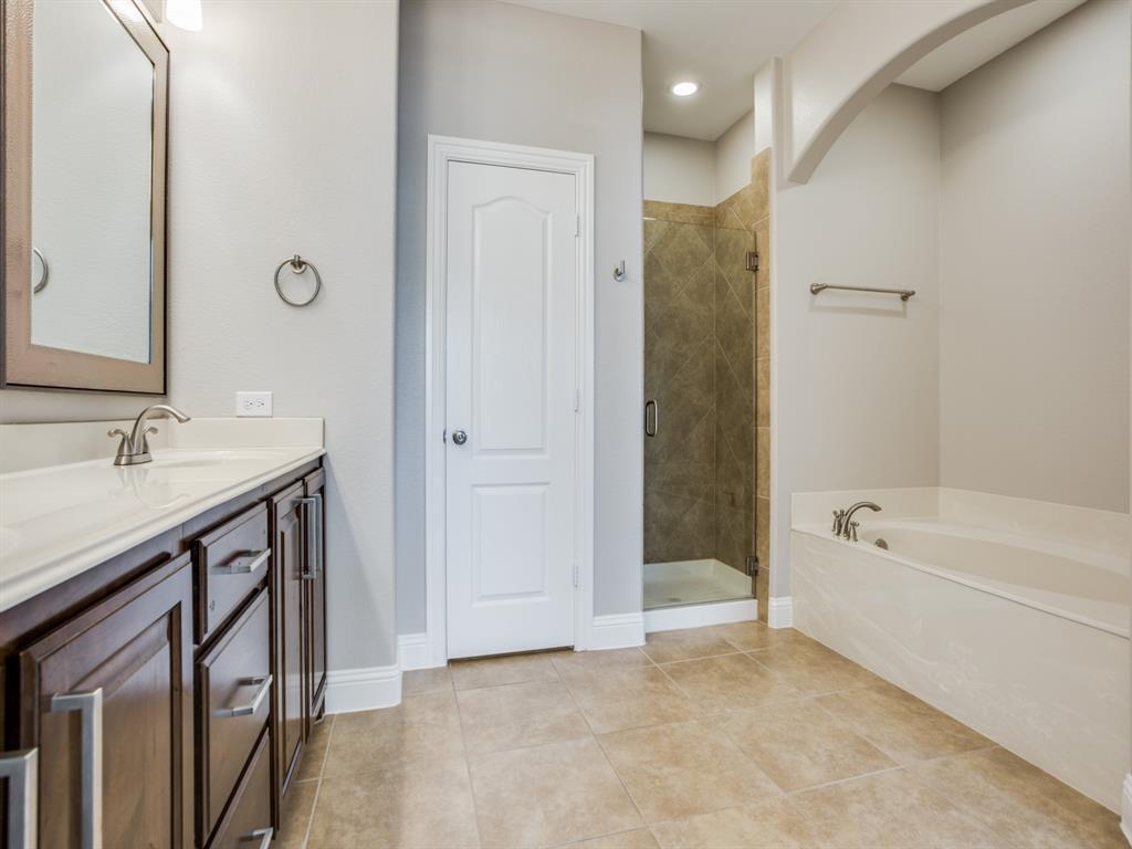 5761 Headquarters Drive, Plano, Texas 75024 - acquisto real estate best designer and realtor hannah ewing kind realtor