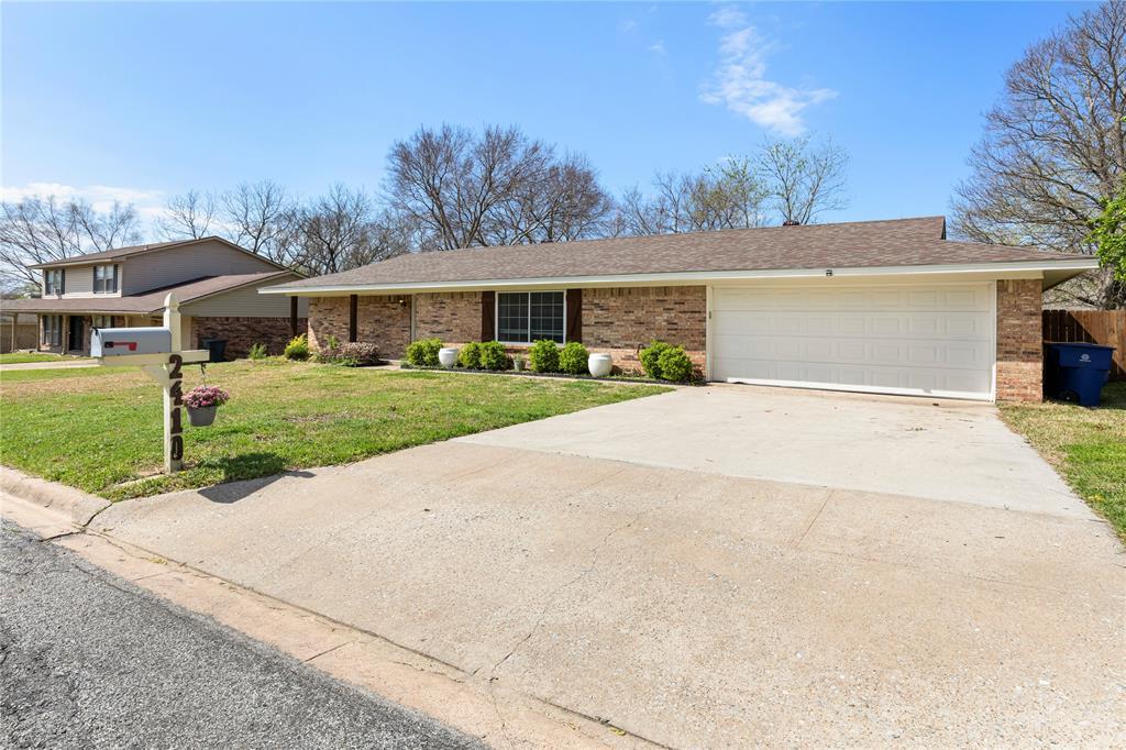 2410 Ridgewood Drive, Sherman, Texas 75092 - Acquisto Real Estate best mckinney realtor hannah ewing stonebridge ranch expert