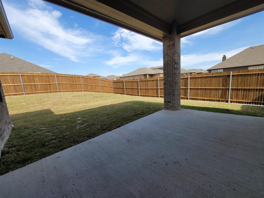 2305 Templin Avenue, Forney, Texas 75126 - acquisto real estate best photos for luxury listings amy gasperini quick sale real estate